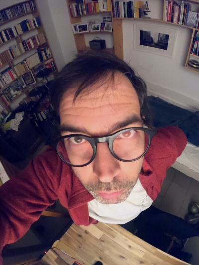 Ex-Literaturlwissenschaftler